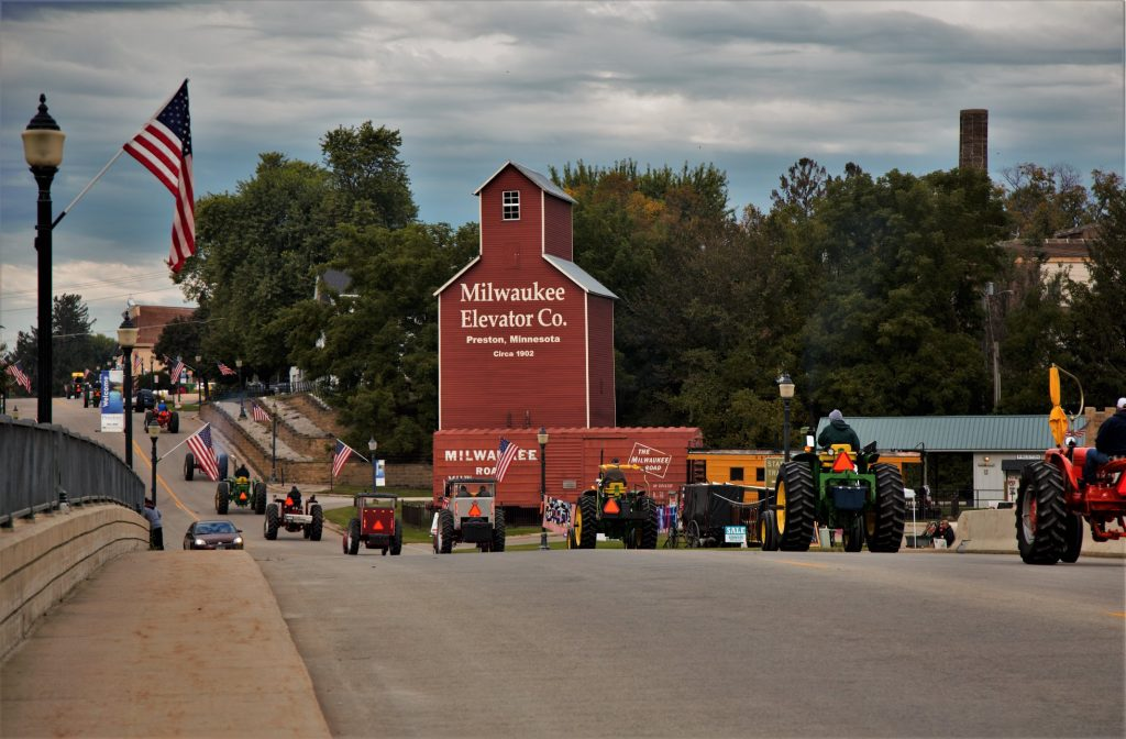 Bluff Country Autumn Tractor Ride @ Fillmore County Fairgrounds